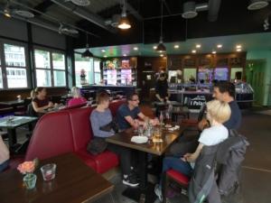Restaurant von El-Palacio. Im Restaurant von El-Palacio bieten wir neben Gerichten von der Speisekarte auch wechselnde Mittagsmenues an.